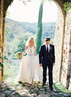 Lindsay and Ryan – Tuscany Wedding  Loooove this dress
