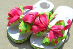 Pink & Green Polka Dot Bow Flip Flops for girls Shoe Crafts, Diy Crafts, Chinelos Flip Flop, Ribbon Flip Flops, Flip Flop Craft, Decorating Flip Flops, Flip Flop Sandals, Flipping, Diy Fashion