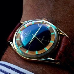 Reasons to follow @watchfred #43 - he recently posted this Gérald Genta designed Universal Geneve 'Polerouter' and gave all of insta a schooling, including us. Designed by Genta when he was 23 and findable for under a grand. You need this guy in you