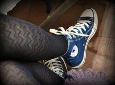 blue high top converse w/ tights