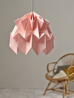 This origami-style paper ceiling lampshade is right on trend. Luminaire Original, Origami Rose, Cozy House, Luster, Interior Inspiration, Pink Blue, Table Lamp, Ceiling Lights, Creative
