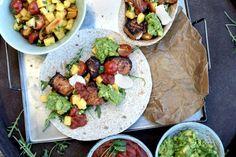 Taco på en onsdag? JA! Hvorfor ikke? Med fisk, massevis av grønnsaker, grove lefser og