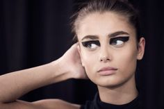 Taylor Marie Hill - Backstage at Vionnet Spring Paris Fashion Week. Taylor Marie Hill, World Of Fashion, Fashion Show, Paris Fashion, Love Makeup, Hair Makeup, Eyes Lips Face, Liquid Liner, Spring 2016