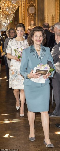 CP Victoria and Queen Silvia of Sweden at the Royal Academy of Arts. Prince Carl Philip, Prince Daniel, Victoria Prince, Swedish Royalty, Queen Silvia, Royal Academy Of Arts, British Royal Families, Royal Court, First Daughter