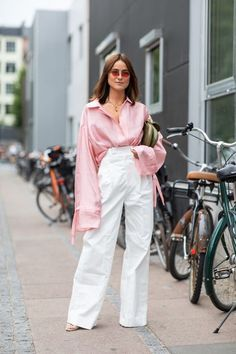How to Wear High Waisted Trousers This Season (Le Fashion) Street Style Edgy, Street Style Looks, Street Chic, Fashion Pants, Love Fashion, Abaya Fashion, Fashion Black, Fashion Ideas, Vintage Fashion