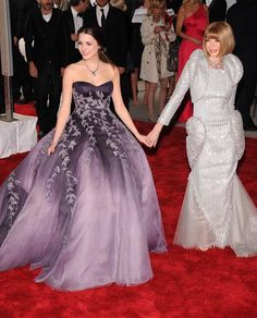 Anna and her daughter Bee Shaffer at the Met Costume Gala Ball (fashionista.com)