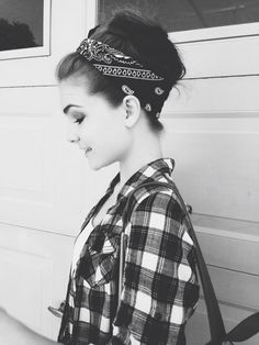 Throwback to the one day my hair worked with me. Kind felt like something off tumblr ;) Tags: Pinterest, hair, hairstyles, girl, tumblr, flannel, fall, spring, summer, outfit, bandanna, hair updo
