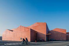 LE FORUM by Manuelle Gautrand Architecture | Sports halls