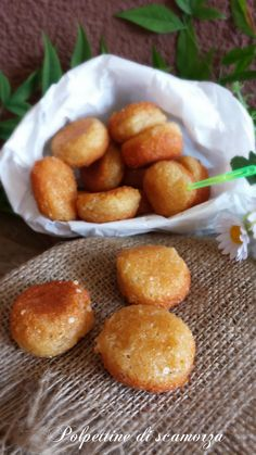 polpettine di scamorza Easy Hors D'oeuvres, Tapas, Best Italian Recipes, Antipasto, Kitchen Recipes, Soul Food, Food Photo, Street Food, Finger Foods