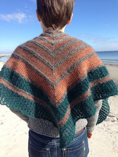 What free patterns does Ravelry offer?