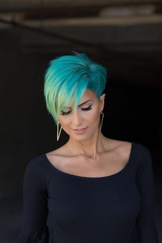 Hair Color Ideas for Short Hair: Looks and Ideas Trending in . Hair Color Ideas hair color ideas for short hair Funky Hair Colors, Bright Hair Colors, Funky Colored Hair, Ombre Hair, Hair Dye, Hair Styles 2016, Curly Hair Styles, Cheveux Courts Funky, Pixie Hair Color