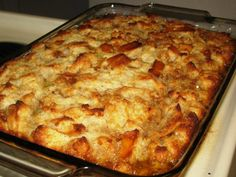 This bread pudding recipes, from an old Amish cookbook, is absolutely incredible. Toffee Sauce, Fudge Sauce, Pudding Recipes, Bread Recipes, Cooking Recipes, Peach Pound Cakes, Bread Mix, Simply Recipes, Pudding Cake