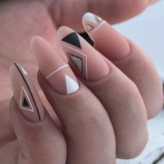 GEOMETRIC nail polish original transparent nude nail art easy to make points black minimalist trend fall winter 2018 2019 party look Christmas party triangle. Nagellack Design, Nagellack Trends, Hair And Nails, My Nails, Hair Gel, Geometric Nail Art, Triangle Nail Art, Nail Polish, Nail Nail