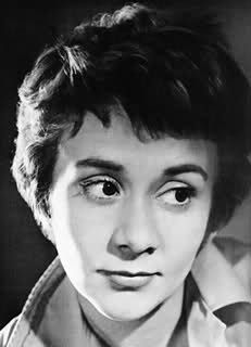 Joan Plowright  (born 28 October 1929) -  http://en.wikipedia.org/wiki/Joan_Plowright  --  (the photo via Louann Fisher  http://www.pinterest.com/pin/539095017868868146/ )