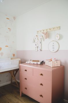 Nursery Room, Baby Room, Colorful Dresser, 21st Century Homes, Live In Style, Nursery Inspiration, Kidsroom, Storage Boxes, Home Decor Items