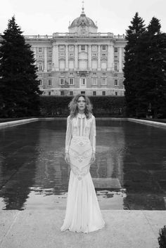 Fashionista bride: long sleeved collar wedding dress with geometric lines and lace. yaki ravid couture wedding dresses http://www.confettidaydreams.com/yaki-ravid-couture-wedding-dresses/