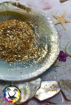 Beautiful Mica powder colors that are resin and heat resistant. And useful resin tools. West Art, Resin, Island, Key West, Tumblers, Colors, Coasters, Art Ideas, Powder