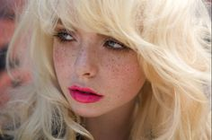 Pink Lips, Frost Blonde Hair, & Freckles <3  #pinklipstick #blondehair #freckles