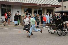 amish-men-racing
