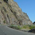 Por derrumbes, precaución al transitar por la Quebrada de Belén