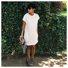 White t-shirt dress. Need! Casual, effortless look w/ a hot heel.