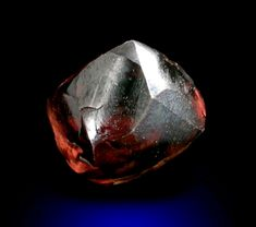 Diamond carat brown asymmetric crystal) from Northern Cape Province South Africa Minerals And Gemstones, Raw Gemstones, Rocks And Minerals, Cool Rocks, Pet Rocks, Rocks And Gems, Rough Diamond, Diamond Design, South Africa