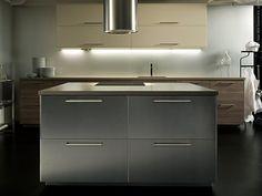 Under gårdagen var det världspremiär och pressvisning för ett helt nytt kökssystem på IKEA. METOD är konstruerat utifrån en modulär designidé - som gör det möjligt för människor att skapa helt unika personliga kök.Målet var att skapa ett komplett kökssystem som är allt igenom anpassningsbart.