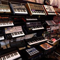 Gear Music Production Equipment, Recording Equipment, Synthesizer Music, Vintage Synth, Dream Music, Recording Studio Design, Keyboard Piano, Home Studio Music, Drum Machine