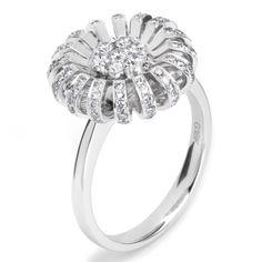 Small #Daisy #Ring by Fei Liu http://www.fldesignerguides.co.uk/engagement-ring-designer/feiliu