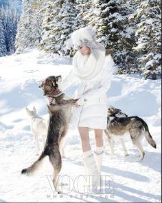 Lee Ji Yeon and Choi A Ra by Lee Gun Ho for Vogue Korea January 2011