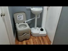 Portable toilet and sink combo! How does it work? Portable Sink, Portable Potty, Portable Bathroom, Portable Cabins, Outside Toilet, Outdoor Toilet, Outdoor Sinks, Sink Toilet Combo, Toilet Sink