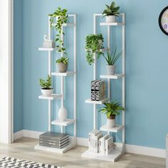 New Standing flower shelf . flower pot stands with wood plant New Standing flower shelf . flower pot stands with wood plant - Beliebt Dekoration Blume Balcony Plants, House Plants Decor, Room With Plants, Garden Rack, Herb Garden, Flower Stands, Plant Shelves, Home Interior Design, Flower Pots