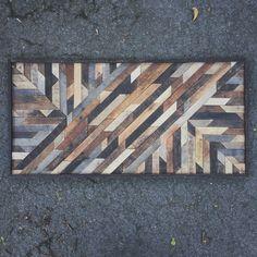 Diseño de arte rustico hecho de madera recuperada por crtcreative