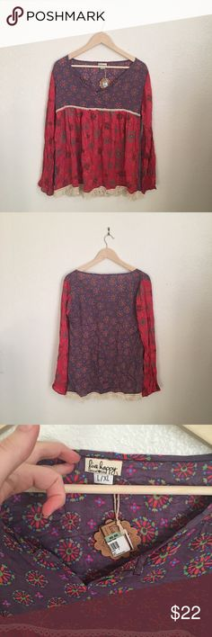 ✨Bohemian Peasant Top✨ NWT peasant top. Great for fall and spring. 💕 Live Happy Tops Blouses