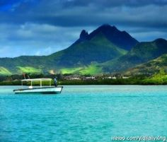 Mauritius Kashima, Fantasy Garden of Eden. Here are the most beautiful beachs in Mauritius, the world's most crystal clear waters, water sports paradise, aristocratic favorite diving spots in Africa.