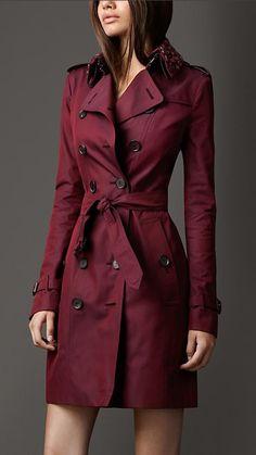 Burberry London Long Beaded Collar Cotton ...