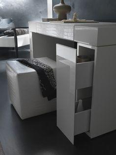Aaline Vanity Desk *very Apple-esque!