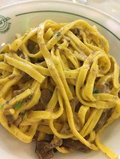 Pasta fatta in casa con i funghi.--Good homemade pasta-La buona pasta fatta in casa- #Expo2015 #WonderfulExpo2015 #ExpoMilano2015 #Wonderfooditaly #MadeinItaly #slowfood #FrancescoBruno @frbrun www.blogtematico.it/?lang=en frbrun@tiscali.it