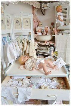 Baby Doll Nursery, Baby Dolls, Old Dolls, Antique Dolls, Reborn Doll Nurseries, Tiny Tears Doll, Vintage Nursery Decor, Vintage Vignettes, Ideal Toys