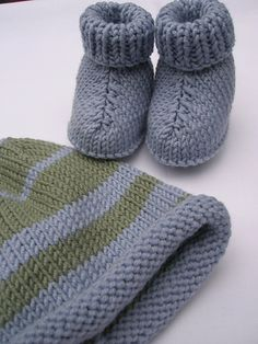 and Boots pattern by Erika Knight Knitted booties and hat colors.Beautiful and I just happen to have both these colors in my stash!Knitted booties and hat colors.Beautiful and I just happen to have both these colors in my stash! Baby Booties Knitting Pattern, Knit Baby Booties, Baby Boots, Baby Knitting Patterns, Baby Patterns, Knit Baby Shoes, Knitting For Kids, Free Knitting, Knitting Projects