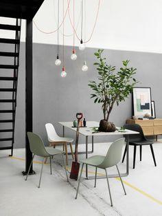 Urenlang tafelen met de mooie Muuto Fiber stoelen! #muuto #eetkamerstoelen