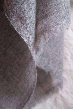 http://matka.es/producto/light-grey-cashmere-throw/