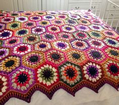 Crochet: flower crochet hexagon motif joined into blanket