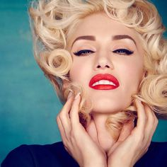 Gwen Stefani - Daily Actress