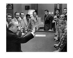 Ocean's Eleven Frank Sinatra & Rat Pack Rare Poster Dean Martin Sammy Davis around pool table Oceans 11, Joey Bishop, Peter Lawford, Sammy Davis Jr, Angie Dickinson, Jerry Lewis, Adventure Film, Dean Martin, Press Photo