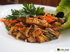 Smažené zeleninové čínské nudle s tempehem Tempeh, Japchae, Meat, Chicken, Ethnic Recipes, Cubs