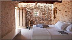 Mediterrán lakberendezés ötletek - Lakberendezési stílusok Italian Village, Wabi Sabi, Rustic Furniture, Brick, Cottage, Exterior, Bed, House, Projects