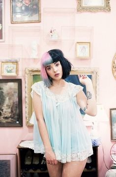 ❤❤ I really wish I knew her irl😢 ✨ ✨ ✨ ✨ ✨ mm melaniemartinez melanie martinez dress melaniemartinezedit lbbh meledit crybaby redcarpet tagyourit ADORABLE teddybear Melanie Martinez, Cry Baby, Indie Music, Pretty People, Beautiful People, Beautiful Soul, Suicide Girls, Celebs, Celebrities