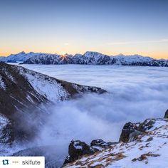 CHAMROUSSE - Mountain Park : «#Repost @skifute with @repostapp. ・・・ Les montagnes de Chamrousse au dessus d'une couverture de nuages... C'est sûr, @nicobohere nous fait rêver! Et vous, depuis…»