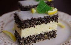 Klasické makové řezy s citronovou polevou a vanilkovou náplní. I u Vás jsou makové zákusky oblíbené?